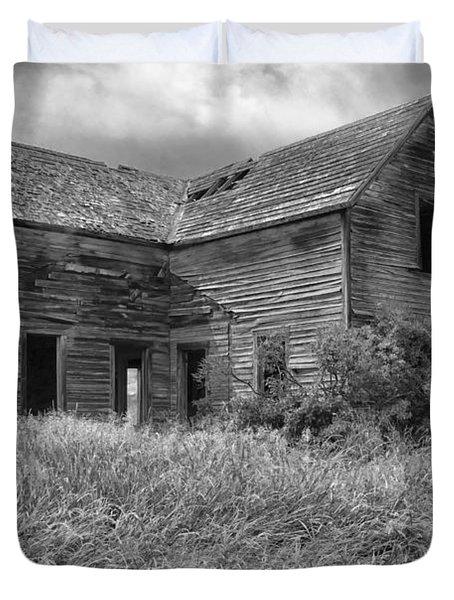 Old Montana Farmhouse Duvet Cover