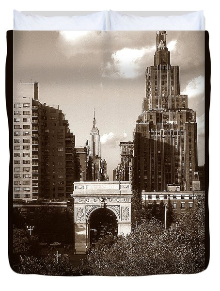 Washington Arch And New York University Duvet Cover