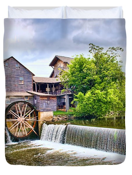 Old Pigeon Forge Mill Duvet Cover