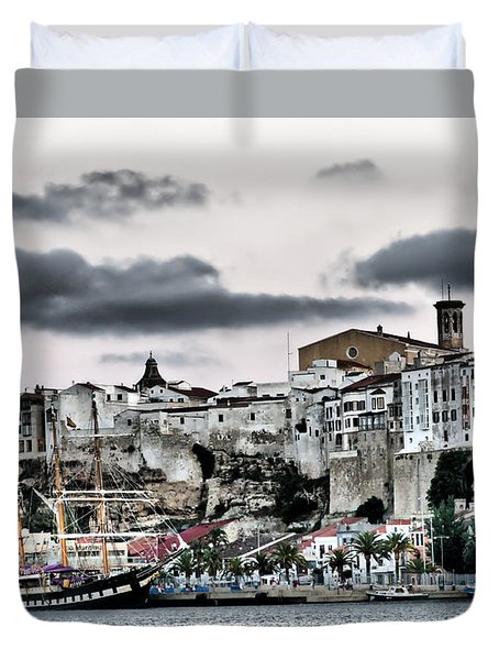 Old Port Mahon And Italian Sail Training Vessel Palinuro Hdr Duvet Cover