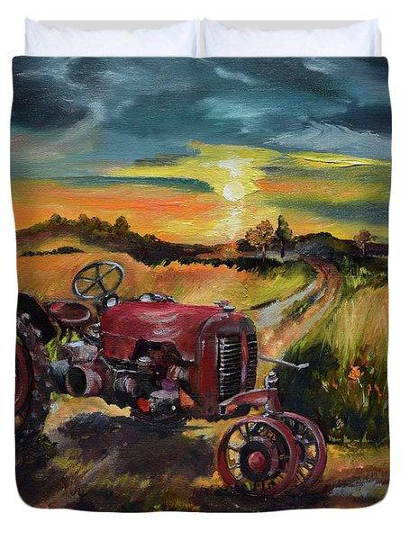 Old Red At Sunset - Tractor Duvet Cover