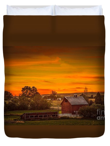 Old Red Barn Duvet Cover by Robert Bales
