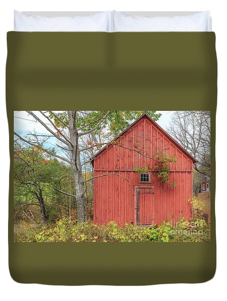 Duvet Cover featuring the photograph Old Red New England Barn Building Woodstock Vermont by Edward Fielding