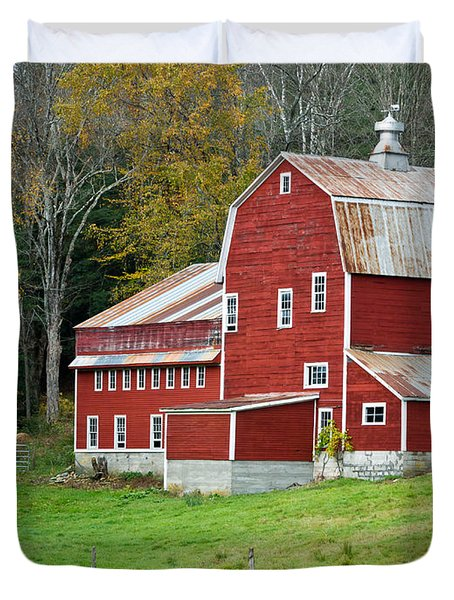 Old Red Vermont Barn Duvet Cover by Edward Fielding
