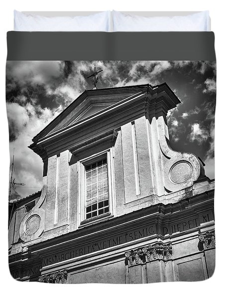 Old Roman Building In Black And White Duvet Cover