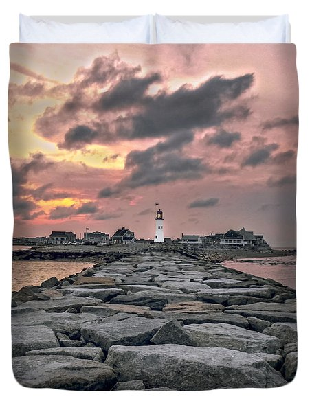 Old Scituate Light At The End Of The Jetty Duvet Cover