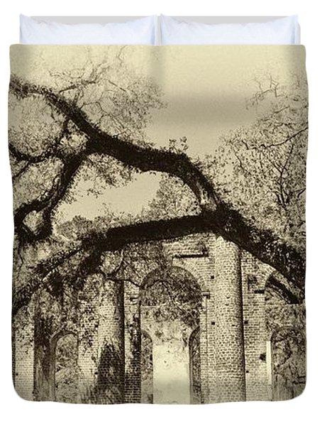 Old Sheldon Church Ruins Bw Duvet Cover