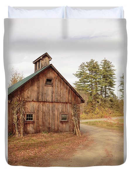 Duvet Cover featuring the photograph Old Sugar Shack Farm Plainfield New Hampshire by Edward Fielding