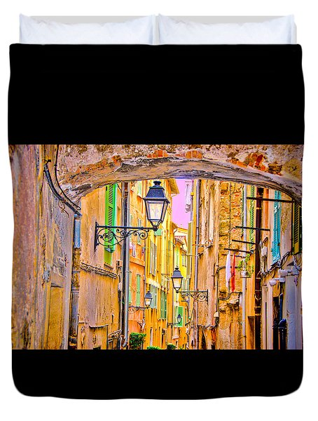 Old Town Nizza, Southern France Duvet Cover