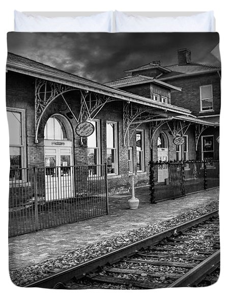 Old Train Station With Crossing Sign In Black And White Duvet Cover