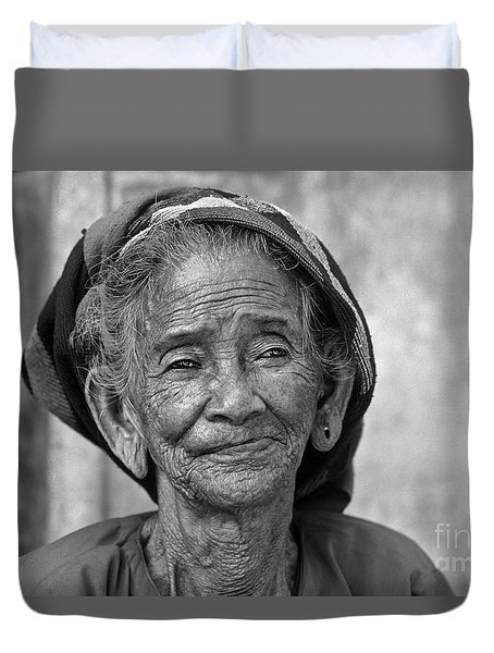 Old Vietnamese Woman Duvet Cover