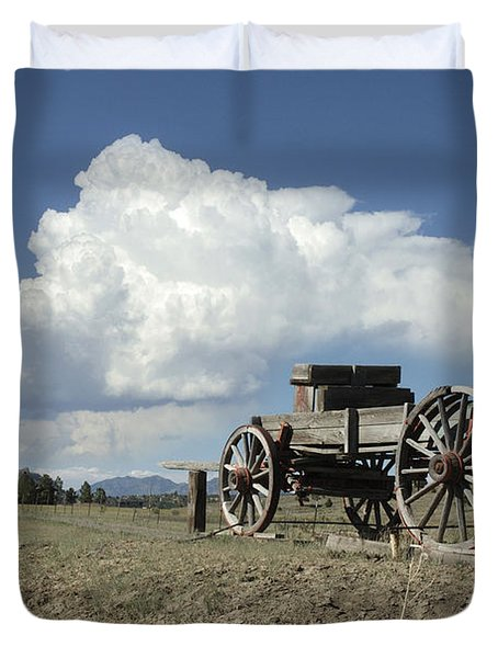 Old Wagon Out West Duvet Cover by Jerry McElroy