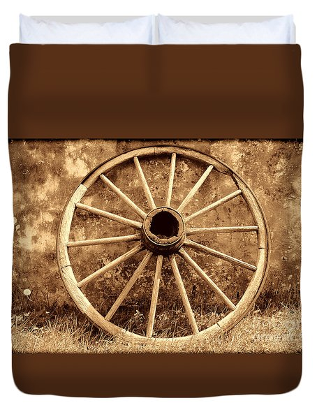 Old Wagon Wheel Duvet Cover