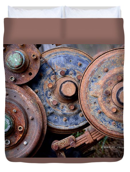 Old Wheels, Circles And Bolts Duvet Cover