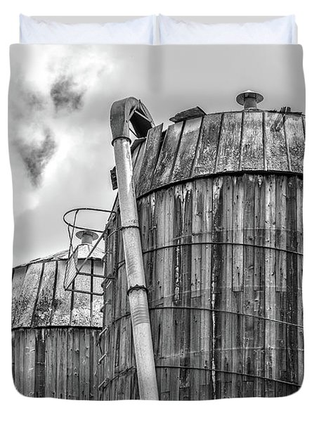 Old Wooden Silos Ely Vermont Duvet Cover