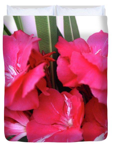 Oleander Geant Des Batailles 1 Duvet Cover