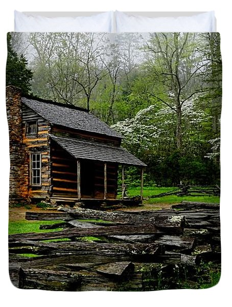 Oliver's Cabin Among The Dogwood Of The Great Smoky Mountains National Park Duvet Cover