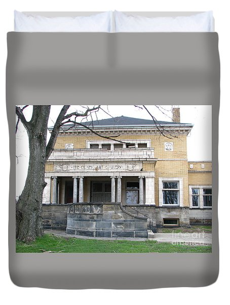 Duvet Cover featuring the photograph Olney Art Gallery by Michael Krek