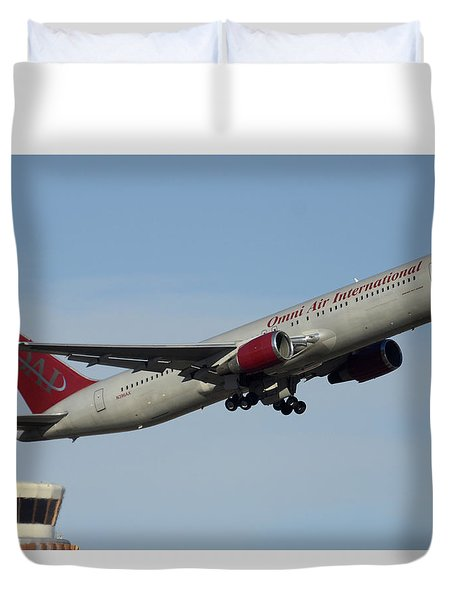 Omni Air International Boeing 767-319 N396ax Phoenix Sky Harbor January 2 2015 Duvet Cover by Brian Lockett