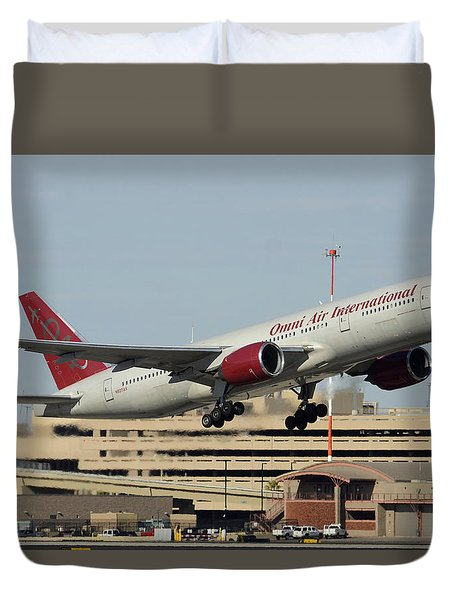 Omni Air International Boeing 777-222 N927ax Phoenix Sky Harbor January 3 2015 Duvet Cover by Brian Lockett