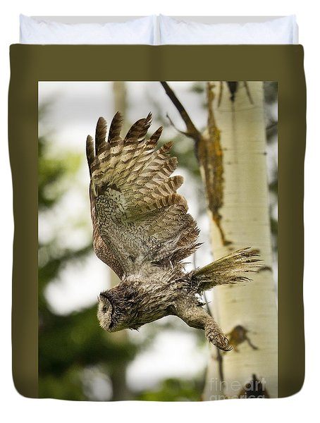 Duvet Cover featuring the photograph On Silent Wings by Aaron Whittemore
