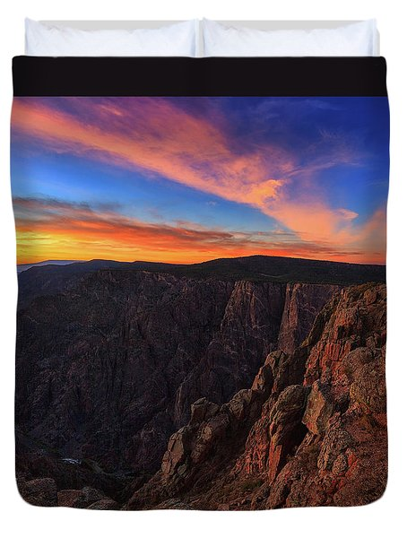 Duvet Cover featuring the photograph On The Edge by Rick Furmanek