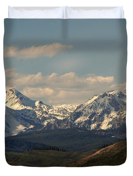 On The Way To Jacksonhole Wy Duvet Cover by Susanne Van Hulst