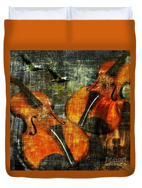 Only Music Heals A Broken Heart Duvet Cover