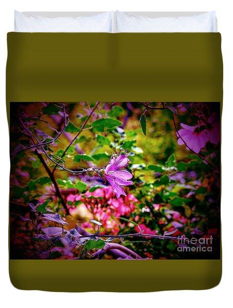 Opulent Lily Duvet Cover