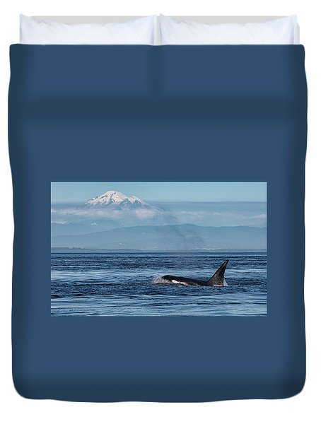 Orca Male With Mt Baker Duvet Cover