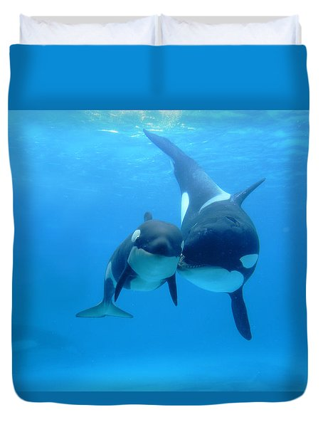 Duvet Cover featuring the photograph Orca Orcinus Orca Mother And Newborn by Hiroya Minakuchi