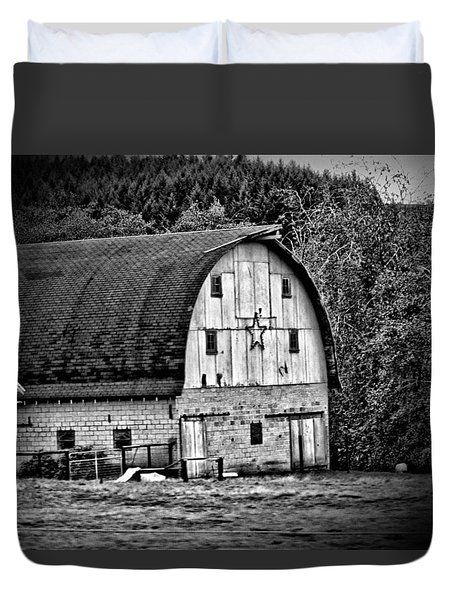 Oregon Barn Duvet Cover