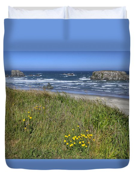 Duvet Cover featuring the photograph Oregon Beauty by Wanda Krack