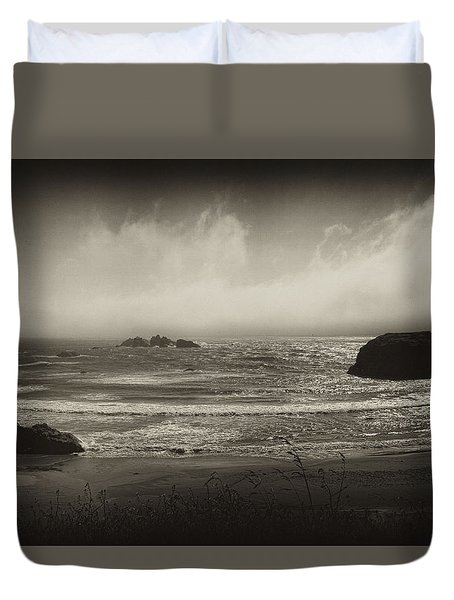 Duvet Cover featuring the photograph Oregon Coast by Hugh Smith