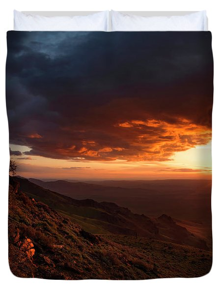 Duvet Cover featuring the photograph Oregon Mountains Sunrise by Leland D Howard