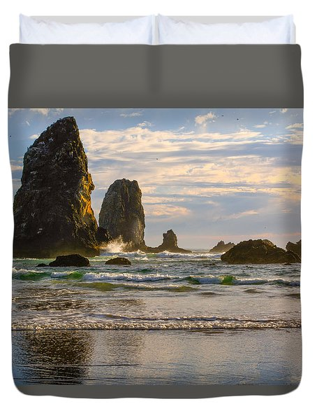 Oregon Sea Stacks Duvet Cover