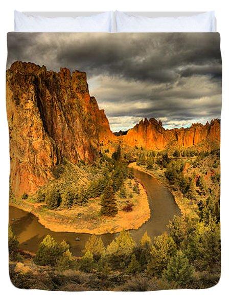 Oregon Smith Rock Panorama Duvet Cover