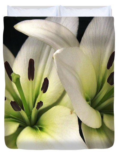 Duvet Cover featuring the photograph Oriental Lily Named Endless Love by J McCombie
