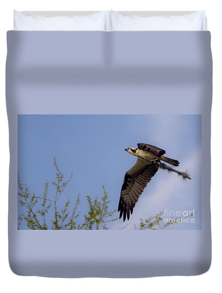 Osprey Collecting Sticks Duvet Cover