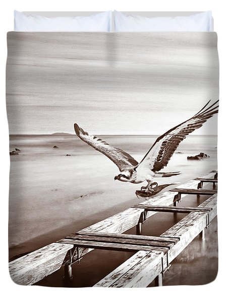 Osprey On The Move Bw Duvet Cover