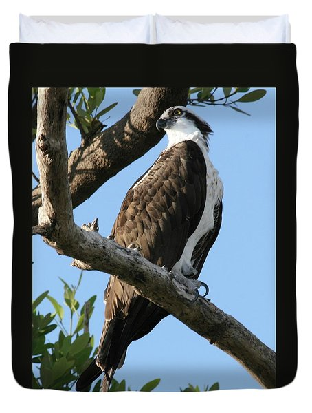 Duvet Cover featuring the photograph Osprey - Perched by Jerry Battle
