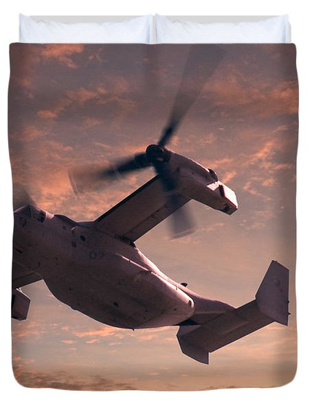 Ospreys In Flight Duvet Cover by Mike McGlothlen
