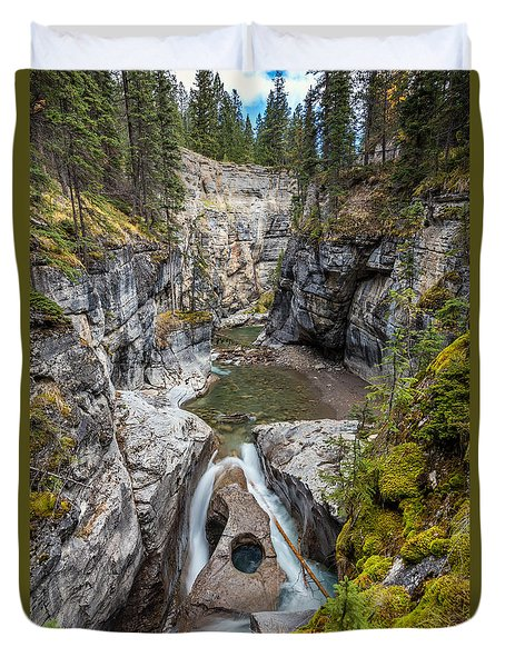 Owl Face Falls Of Maligne Canyon Duvet Cover