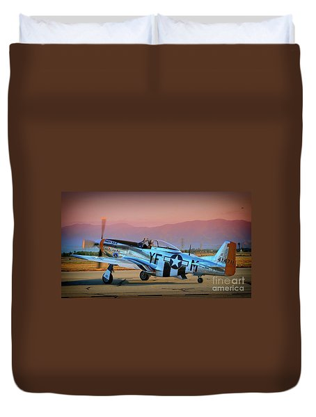 P-51d Mustang 'dakota Kid II. The Long Island Kid' And Casey Odegaard Duvet Cover