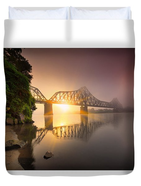 P And Le Ohio River Railroad Bridge Duvet Cover by Emmanuel Panagiotakis