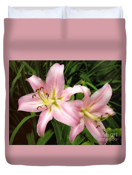 Duvet Cover featuring the photograph Pale Pink Beauties by Sue Melvin