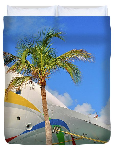 Duvet Cover featuring the photograph Palm Cruise by Jost Houk