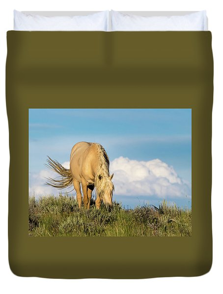 Duvet Cover featuring the photograph Palomino Wild Stallion In The Evening Light by Nadja Rider