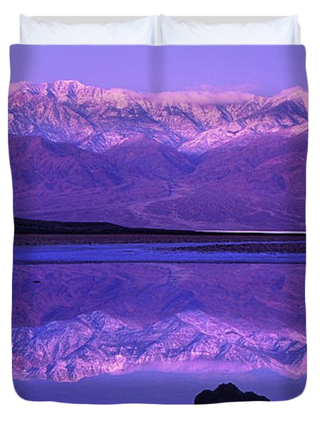 Panorama Badwater And The Panamint Range At Sunrise Death Valley Duvet Cover
