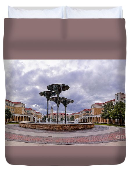 Panorama Of Texas Christian University Campus Commons And Frog Fountain - Fort Worth Texas Duvet Cover